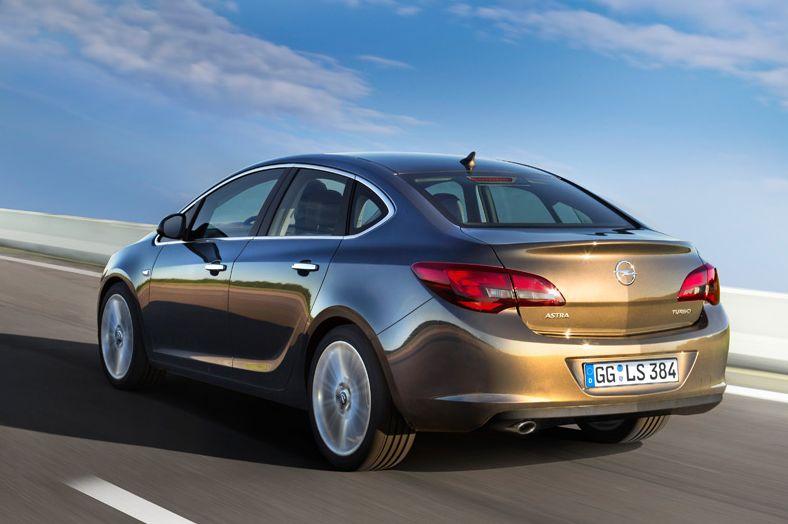 Opel Astra Sedan 2